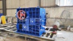 锰矿石破碎机-辊式破碎机锰矿破碎设备