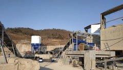 风化砂制砂机-风化砂制沙设备选用对辊破碎机