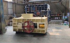 对辊破碎机生产线设备使用及日常加油维护