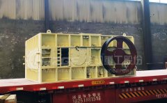 对辊破碎机-不同厂家生产的对辊破碎机怎样辨别其质量